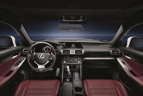 Японская компания объявила рублевые цены на седан нового поколения. Фото 2