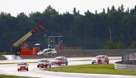Егор Санин одержал победу в гонке чемпионата России на трассе Moscow Raceway