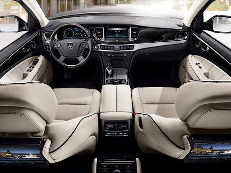 Седан Equus обзавелся более мощными моторами и новой комплектацией. Фото 2