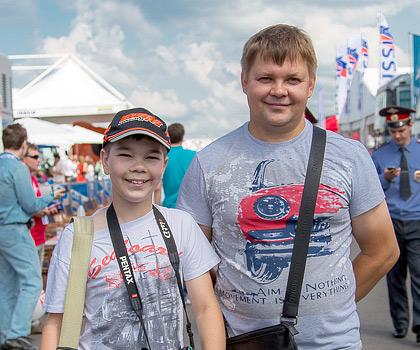 «Мотор» пообщался со зрителями российской гонки WTCC. Фото 35