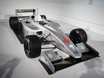 Williams снабдит Формулу-E электрическими батареями