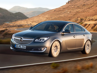 Рестайлинговое семейство Opel Insignia получило новые моторы и тачпад