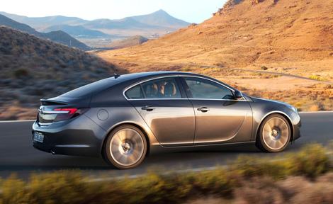 Премьера обновленной Opel Insignia пройдет осенью во Франкфурте