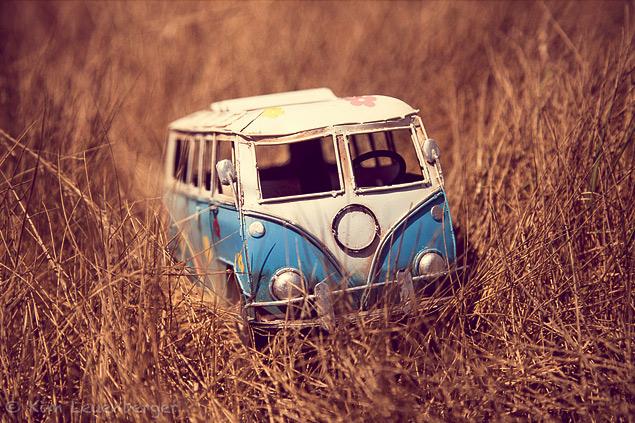 Путешествия маленьких машинок в фотографиях