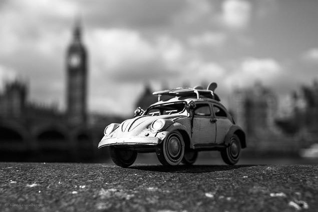 Путешествия маленьких машинок в фотографиях. Фото 5