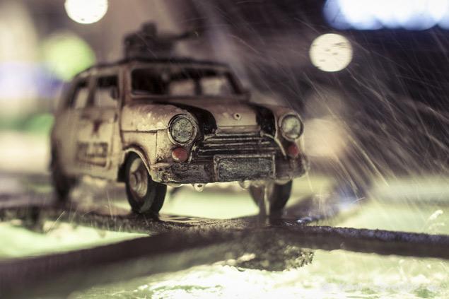 Путешествия маленьких машинок в фотографиях. Фото 8