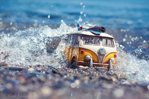 Путешествия маленьких машинок в фотографиях. Фото 10