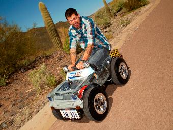 Американец построил самый маленький в мире дорожный автомобиль