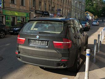 Верховный суд отменил штрафы за парковку без номеров в Москве