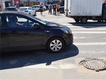Водителей обяжут останавливаться перед пешеходами