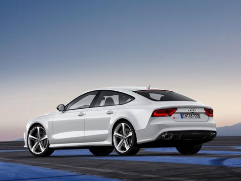 Стоимость Audi RS7 в базовой версии составит 5 миллионов 150 тысяч рублей