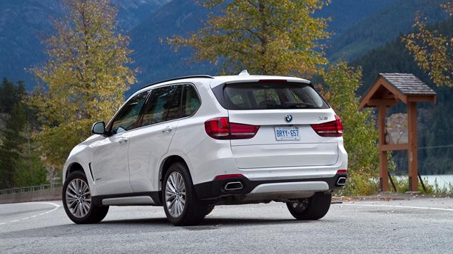 Что изменилось в BMW X5 после очередной смены поколений