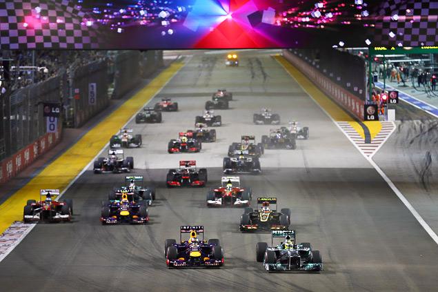 Себастьян Феттель не оставил шансов соперникам на Гран-при Сингапура. Фото 1