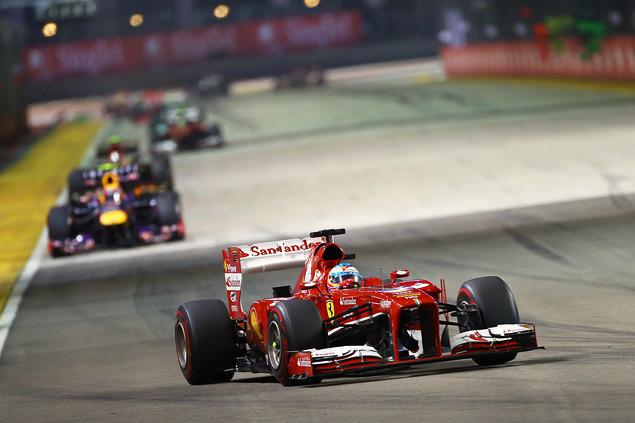 Себастьян Феттель не оставил шансов соперникам на Гран-при Сингапура. Фото 3