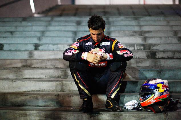Себастьян Феттель не оставил шансов соперникам на Гран-при Сингапура. Фото 5