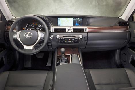 """""""Лексус"""" подготовил ряд обновлений для седана GS"""