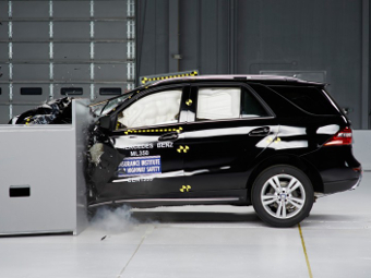 Mercedes-Benz M-Class получил высшую оценку за краш-тест