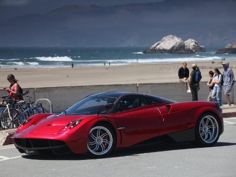 Стоимость углеволоконного кузова для купе Huayra составила 112,5 тысячи евро
