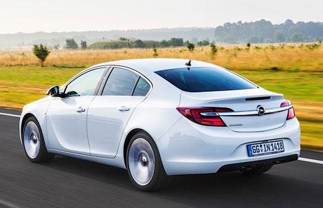Семейство Insignia будет доступно в четырех вариантах кузова и трех комплектациях
