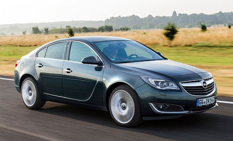 Семейство Insignia будет доступно в четырех вариантах кузова и трех комплектациях. Фото 1