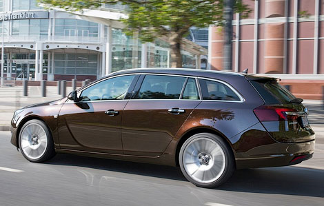 Семейство Insignia будет доступно в четырех вариантах кузова и трех комплектациях. Фото 2