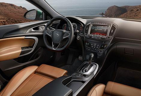 Семейство Insignia будет доступно в четырех вариантах кузова и трех комплектациях. Фото 4
