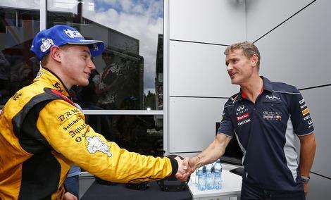 Бельгийский гонщик Штоффель Вандорн отверг предложение заменить Дэниэла Риккардо