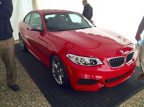 На дилерской презентации сфотографировали купе BMW M235i
