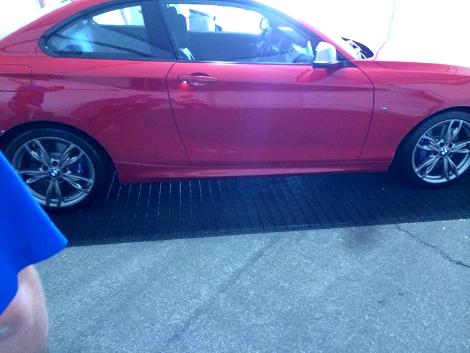 На дилерской презентации сфотографировали купе BMW M235i. Фото 1