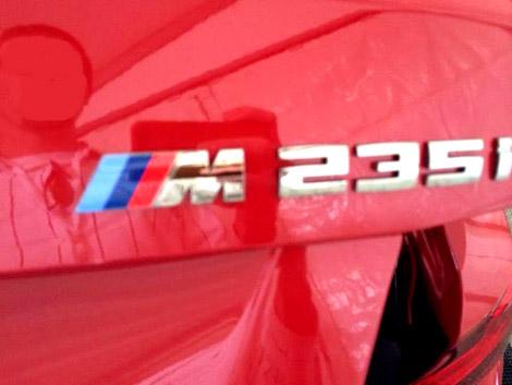 На дилерской презентации сфотографировали купе BMW M235i. Фото 2