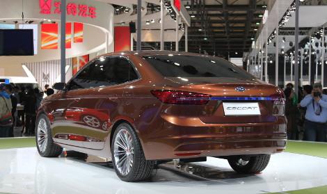 Новый Ford Escort появится в 2014 году. Фото 1