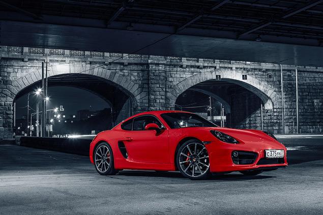 Способен ли новый Porsche Cayman подарить столько же кайфа, сколько суперкар Audi R8. Фото 1