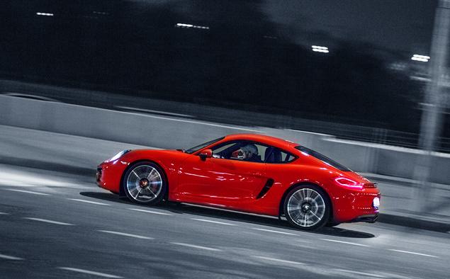 Способен ли новый Porsche Cayman подарить столько же кайфа, сколько суперкар Audi R8. Фото 6
