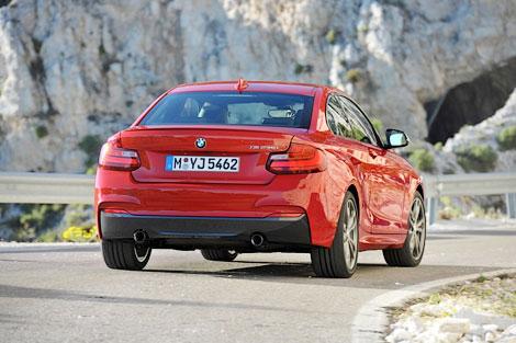 Снимки 326-сильного купе BMW опубликованы за день до премьеры. Фото 2