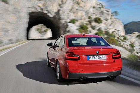 Снимки 326-сильного купе BMW опубликованы за день до премьеры. Фото 3