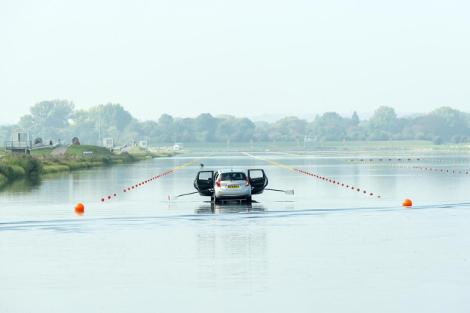 Лодку Nissan испытали олимпийские чемпионки по гребле. Фото 2