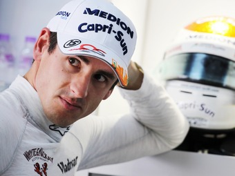 """Пилот Force India назвал российских гонщиков Формулы-1 """"детьми"""""""