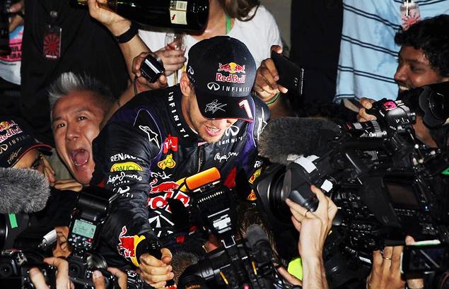 Себастьян Феттель стал чемпионом Формулы-1 в четвертый раз подряд. Фото 3
