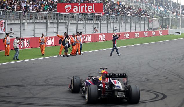 Себастьян Феттель стал чемпионом Формулы-1 в четвертый раз подряд. Фото 6