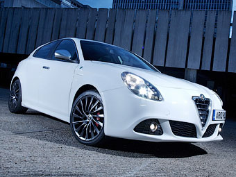 Хэтчбек Alfa Romeo Giulietta получит мотор спорткара 4C