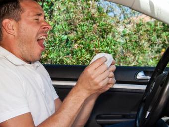 Минздрав решил обязать водителей возить с собой медсправки
