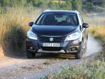 Объявлены рублевые цены на кроссовер Suzuki SX4