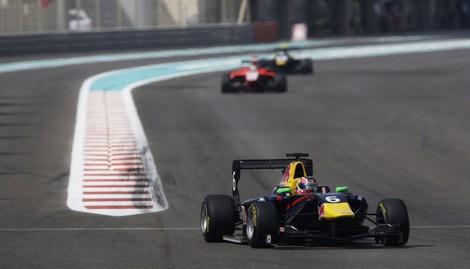 Победа в Абу-Даби позволила пилоту из Уфы досрочно выиграть титул