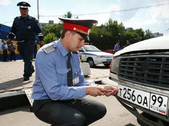 Инспекторам ГИБДД запретят снимать номера с машин