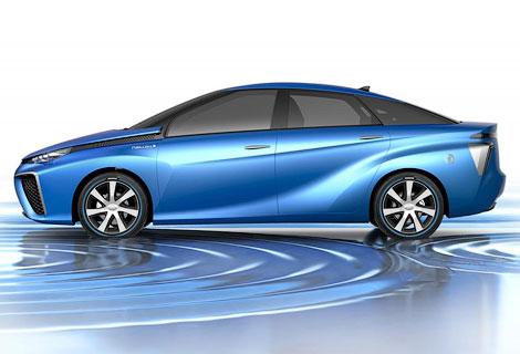 Новый седан Toyota на баке водорода проедет 500 километров