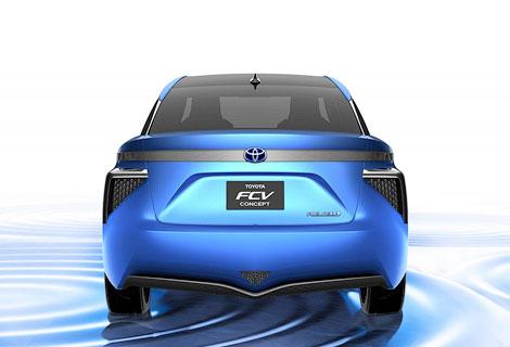 Новый седан Toyota на баке водорода проедет 500 километров. Фото 2