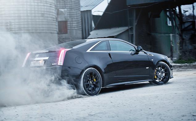 Чем могут зацепить мощные американские купе  Cadillac CTS-V и Chevrolet Camaro SS. Фото 7