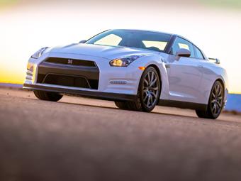Nissan GT-R станет гибридом при смене поколения