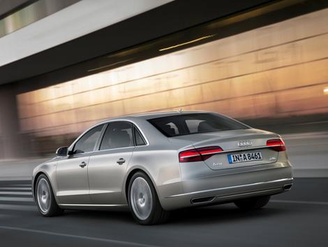 Рестайлинговая версия A8 доступна с двумя бензиновыми и двумя дизельными моторами
