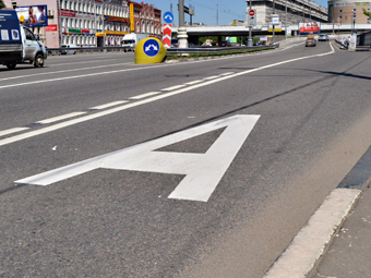 """Москве предложили перенести """"выделенки"""" ближе к центру дороги"""